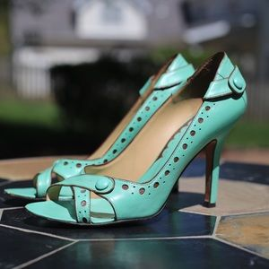 BCBGMaxAzria Turquoise/Aqua Open Toe Heel 7.5